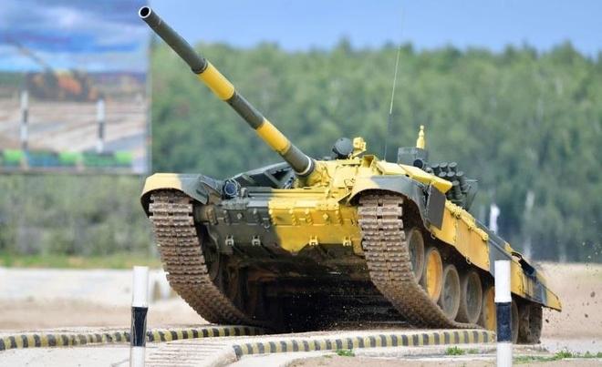 Xe tang T-72B3 cua doi Viet Nam dua toc do tai Tank Biathlon o Nga hinh anh