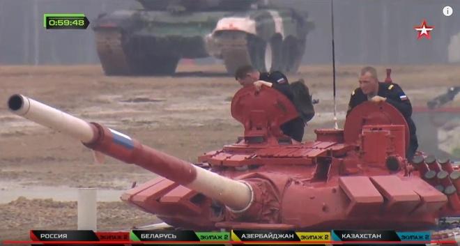Vuot troi cac doi thu, doi Nga gianh chuc vo dich Tank Biathlon hinh anh 24