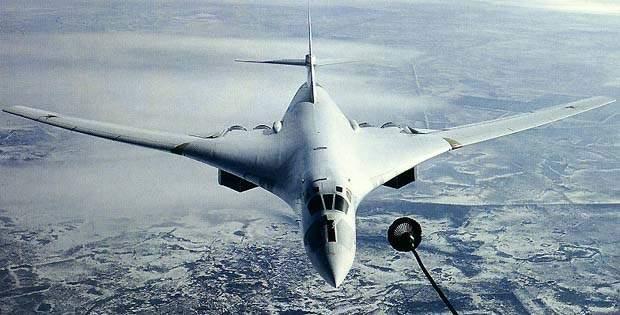 Nga 'khoe' quy trinh huan luyen cua may bay nem bom chien luoc Tu-160 hinh anh
