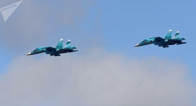 Hai tiêm kích Su-34 của Nga va chạm trên không
