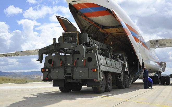 Nga tung video may bay giao ten lua S-400 cho Tho Nhi Ky hinh anh