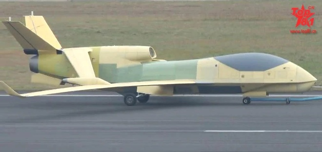 May bay nem bom H-6 anh 3