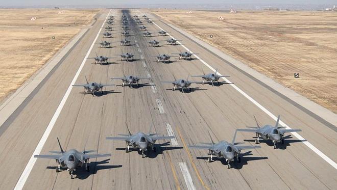 Lockheed Martin lai khung anh 1
