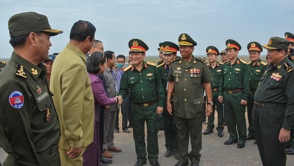 Hop tac quoc phong Viet Nam-Campuchia anh 2