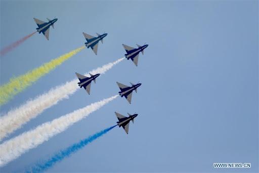 Doi bay Bat Nhat cua TQ den Singapore du trien lam giua lo ngai corona hinh anh 1 z_airshow_2.jpg