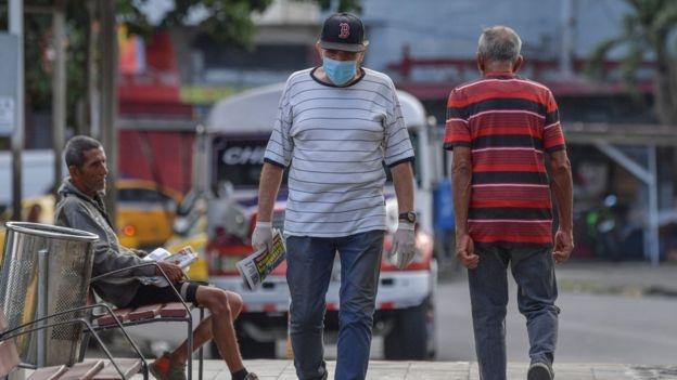 Người Panama được phép ra ngoài dựa vào giới tính của họ. Ảnh: AFP.
