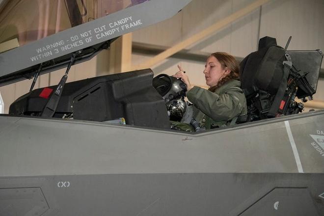 Chuong trinh tiem kich F-35 anh 1