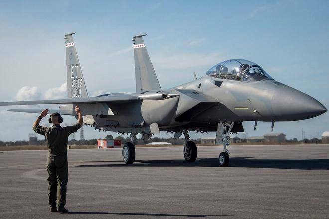 Chien dau co F-15EX cua My anh 1
