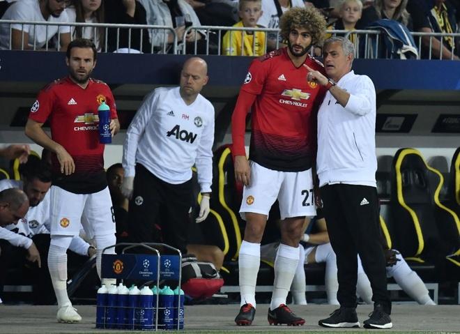 Jose Mourinho o lai la hiem hoa cua MU? hinh anh 2