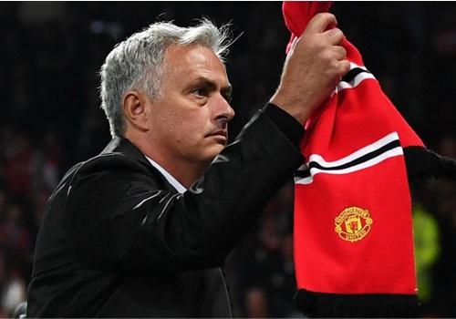 Jose Mourinho o lai la hiem hoa cua MU? hinh anh