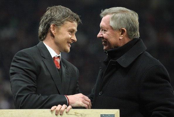 Man United tro lai Top 4 Premier League anh 2