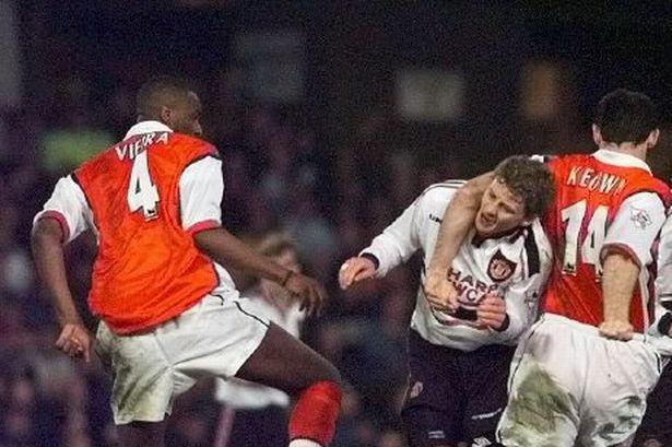 HLV Ole Solskjaer toi luc hoa giai ac mong Arsenal hinh anh 1