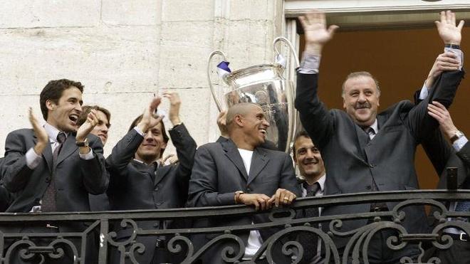 Zidane - co ai tam hai lan tren mot dong song? hinh anh 3