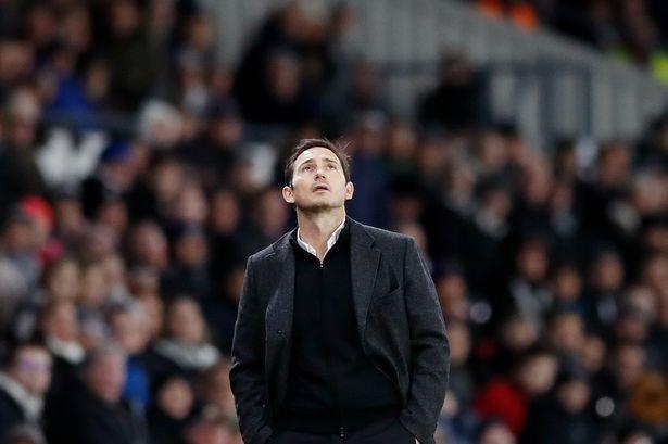 Lampard huy hoai tuong lai khi nhan ghe nong o Chelsea? Hinh anh 2