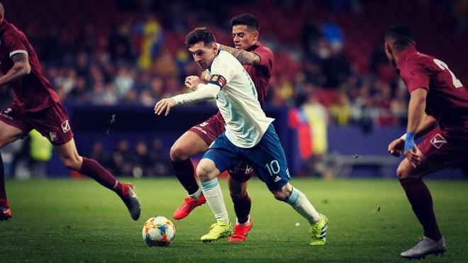 Argentina hay bien Messi thanh... cong nhan hinh anh 2