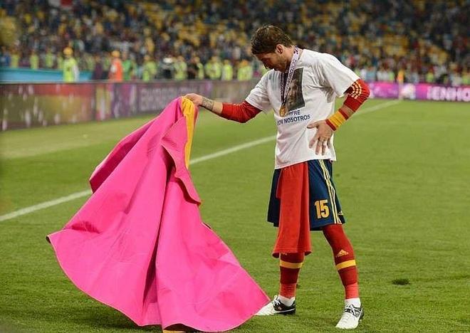 Ramos - trung ve di giua lan ranh cua thien than va ac quy hinh anh 2