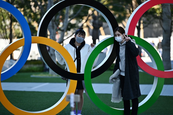 Nhat Ban tiec nuoi khi hoan Olympic hinh anh 1 ca_times.brightspotcdn.com.jpg