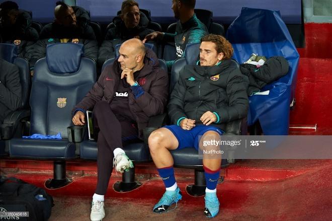 Antoine Griezmann Lionel Messi Barcelona anh 1