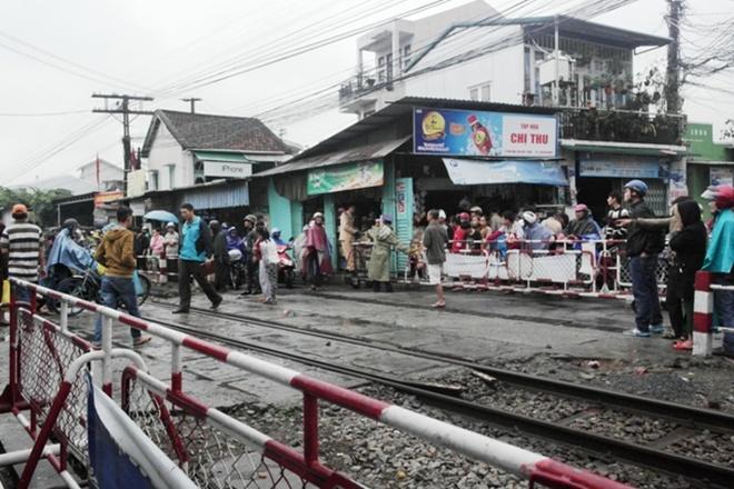 Hiện trường vụ tai nạn đường sắt. Ảnh: Điền Quang