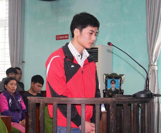 Hung thu dam chet nhan vien trong xe linh 18 nam tu hinh anh 1