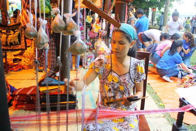 Festival Hue 2016: Nhieu chuong trinh moi dac sac hinh anh 2