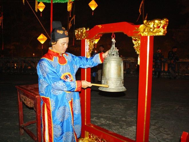 Te dan Nam Giao luc nua dem tai Festival Hue hinh anh 10