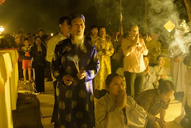 Te dan Nam Giao luc nua dem tai Festival Hue hinh anh 13