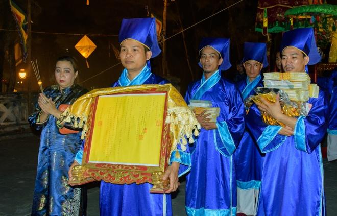 Te dan Nam Giao luc nua dem tai Festival Hue hinh anh 11