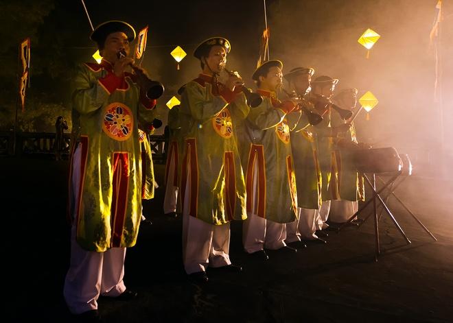 Te dan Nam Giao luc nua dem tai Festival Hue hinh anh 9