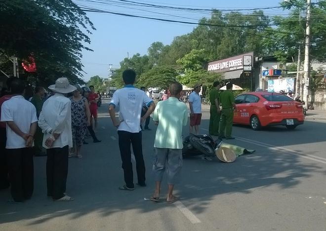 Ba lao bang qua duong bi xe tong tu vong hinh anh 1