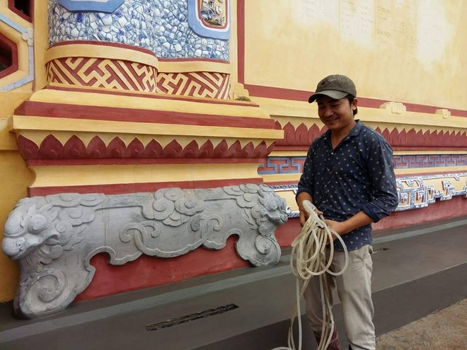 Dieu chinh mau sac, hoa tiet bia Quoc hoc sau Tet Nguyen dan hinh anh 2