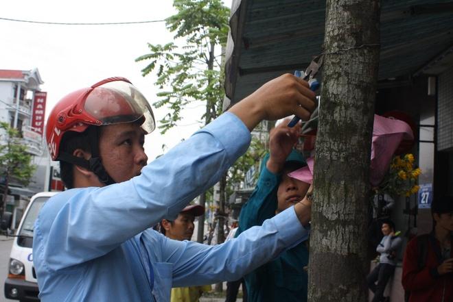 Lanh dao phuong thuyet phuc nguoi dan tra lai via he hinh anh 8