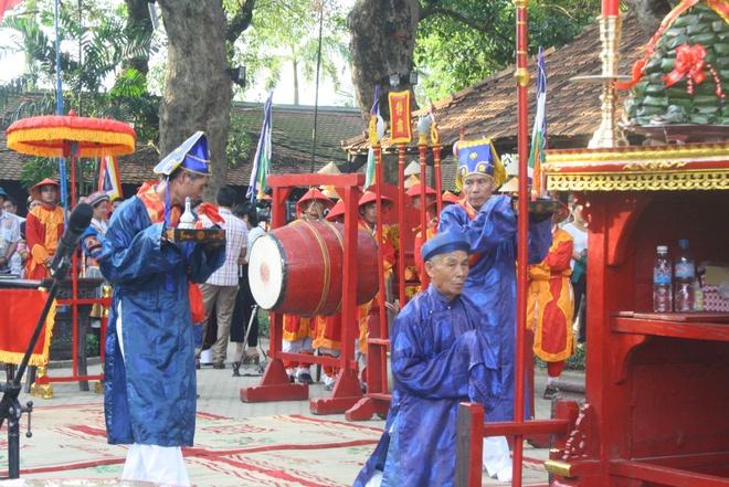 Hon 300 nghe nhan tham du le te to o festival nghe tai Hue hinh anh 1