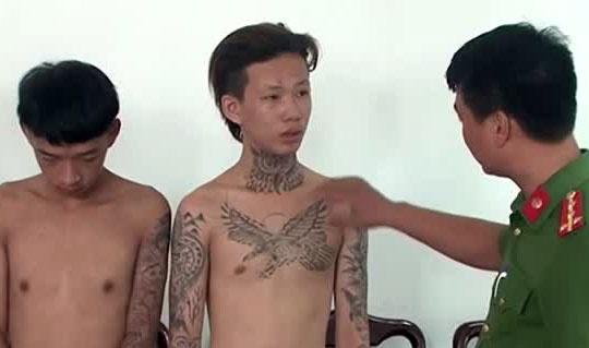 Giam doc Cong an Thua Thien - Hue: 'Toi pham ngay cang tre hoa' hinh anh