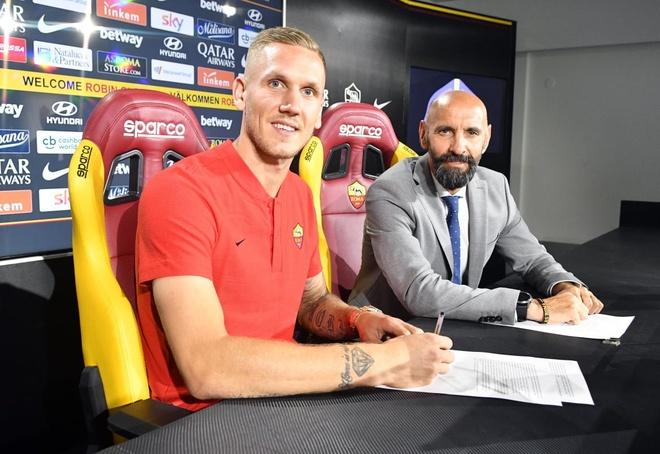 AS Roma chieu mo ngoi sao World Cup de thay the Alisson hinh anh 1
