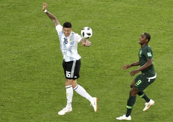 Cuu trong tai FIFA giai thich vi sao phai thoi phat den cho Nigeria hinh anh 2