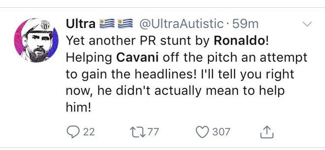 Hanh dong dep cua Ronaldo trong cuoc cham tran voi Uruguay hinh anh 9