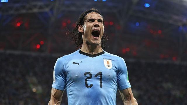Hanh dong dep cua Ronaldo trong cuoc cham tran voi Uruguay hinh anh 11