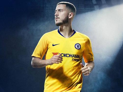 Chelsea ra mat ao dau san khach mua toi: Van co Hazard, Kante hinh anh 4
