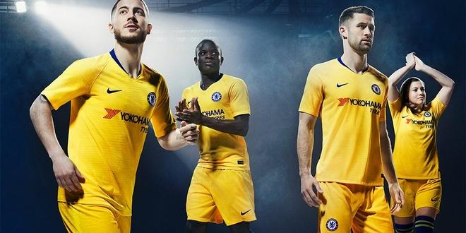 Chelsea ra mat ao dau san khach mua toi: Van co Hazard, Kante hinh anh