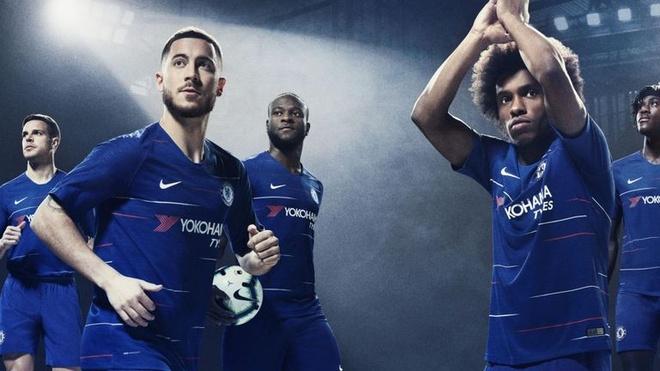 Chelsea ra mat ao dau san khach mua toi: Van co Hazard, Kante hinh anh 6