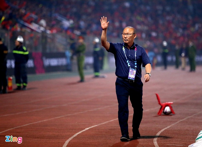 Bao Han Quoc: 'Moi nguoi deu nghi ong Park da het thoi' hinh anh