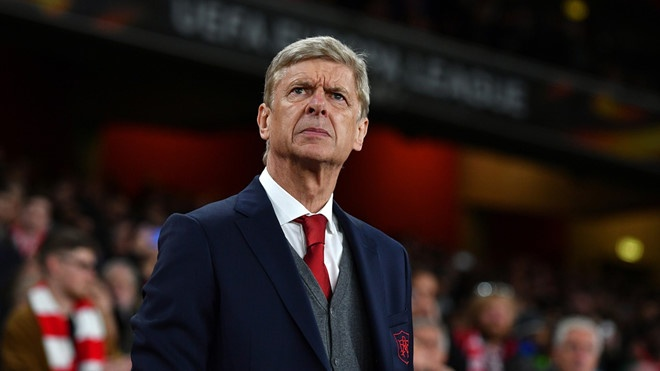 HLV Wenger tung phai thue ve si khi con dan dat Arsenal hinh anh