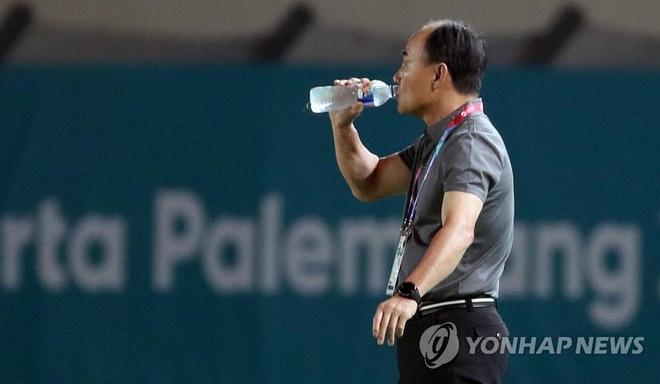 HLV Han Quoc nhan loi sau tran thua truoc Olympic Malaysia hinh anh 1