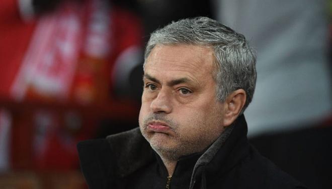 Ed Woodward phan no, Mourinho chuan bi 'len doan dau dai'? hinh anh