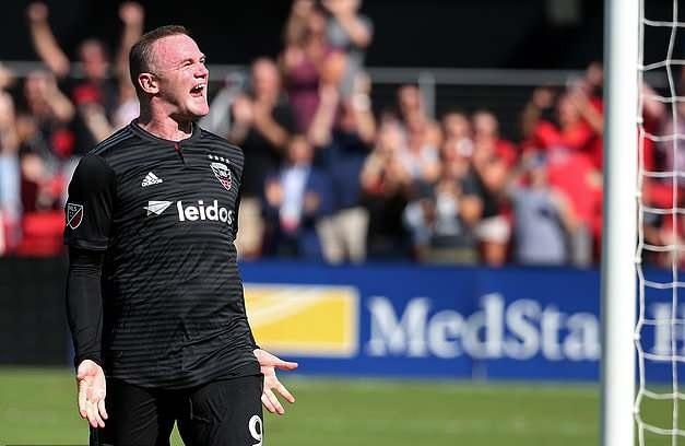 Rooney lap cu dup trong ngay tai ngo dong doi cu tai MU hinh anh