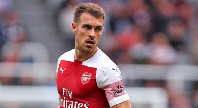 Arsenal co the mat trang Ramsey vao cuoi mua giai hinh anh