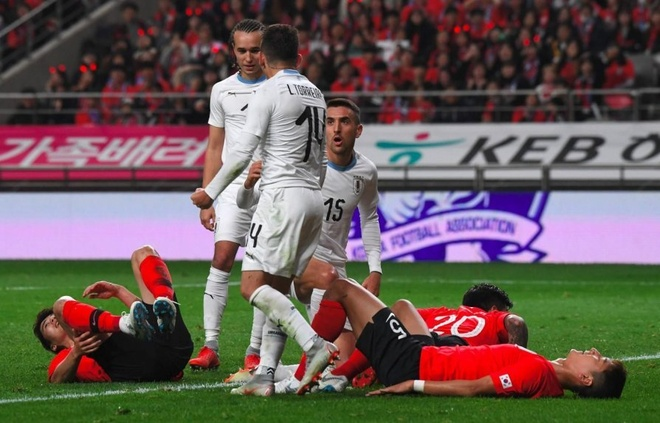 Son Heung-min truot penalty trong ngay Han Quoc ha Uruguay hinh anh 8