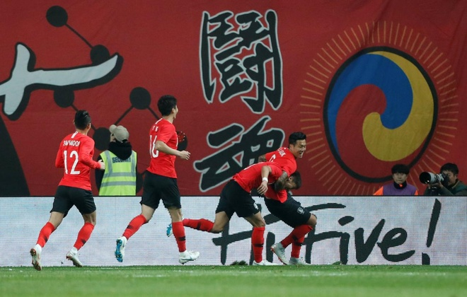 Son Heung-min truot penalty trong ngay Han Quoc ha Uruguay hinh anh 10