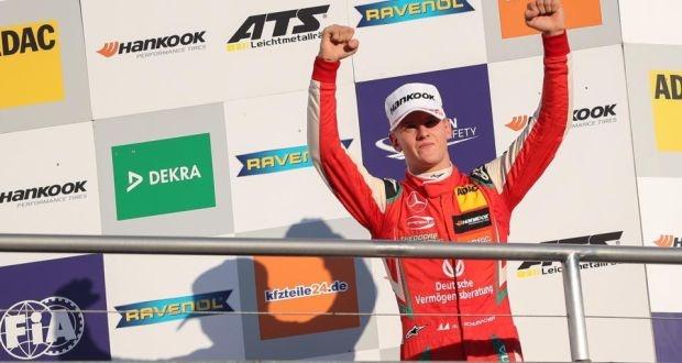 Con trai Michael Schumacher se gia nhap lang dua xe F1 hinh anh 1
